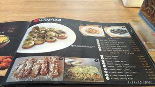Foto 4 - Interior di Warunk Mix Maxx oleh Meri @kamuskenyang