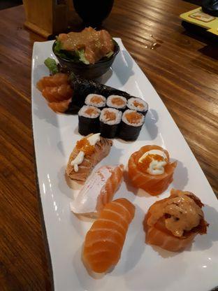 Foto 2 - Makanan di Kiyadon Sushi oleh Velia