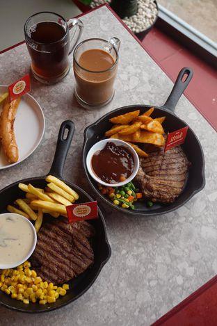Foto 10 - Makanan di Steak Hotel by Holycow! oleh yudistira ishak abrar
