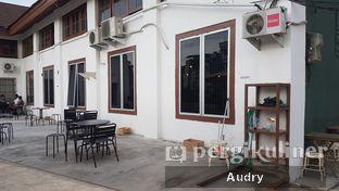 Foto 7 - Interior di Roast Coffee oleh Audry Arifin @makanbarengodri