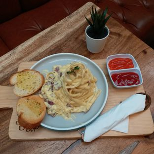 Foto 2 - Makanan(fettucine carbonara) di Wake Cup Coffee & Eatery - Grand Sovia Hotel Bandung oleh Kuliner Limited Edition