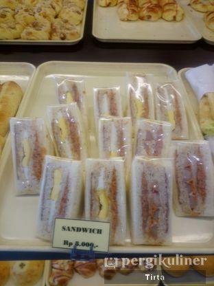 Foto 14 - Makanan di Clover Bakery oleh Tirta Lie