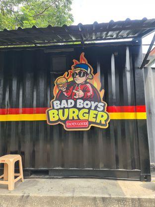 Foto review Bad Boys Burger oleh Fensi Safan 6