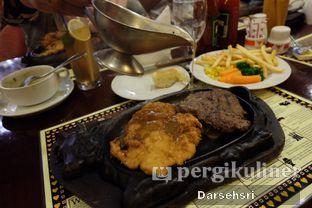 Foto 3 - Makanan di Gandy Steak House & Bakery oleh Darsehsri Handayani
