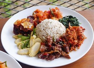7 Menu Makan Siang yang Paling Banyak Dikonsumsi Orang Indonesia