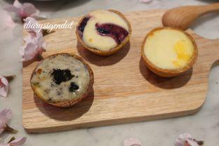 Foto review Ezo Hokkaido Cheesecake & Bakery oleh Laura Fransiska 1