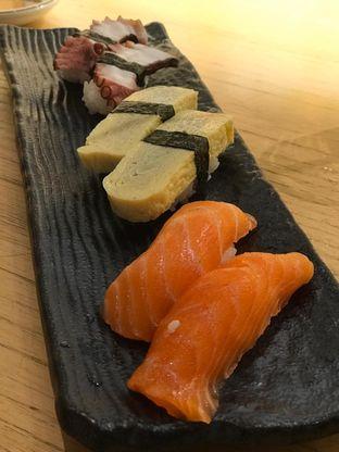 Foto 1 - Makanan di Sushi Hiro oleh Makan2 TV Food & Travel