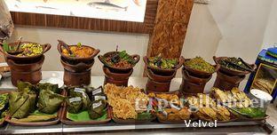 Foto 8 - Makanan di Kepala Manyung Bu Fat oleh Velvel