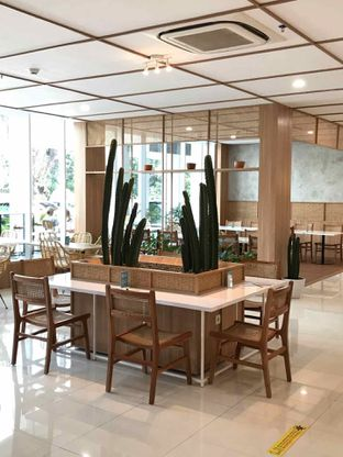Foto 1 - Interior di Dailydose Coffee & Eatery oleh yudistira ishak abrar