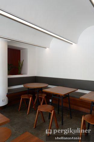 Foto 8 - Interior di Routine Coffee & Eatery oleh Shella Anastasia