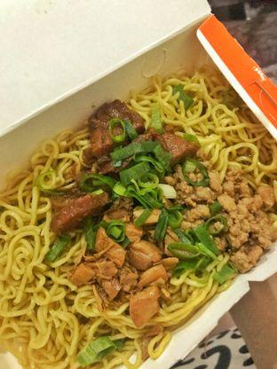 Foto - Makanan di Bakmie Aloi oleh @fernando.jsj #KulineranMates