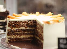9 Carrot Cake di Jakarta Buat Rekomendasi Kue Natal