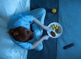 Tips Hilangkan Kebiasaan Makan Tengah Malam