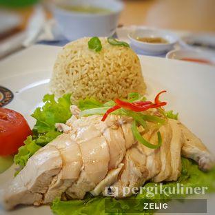 Foto 1 - Makanan(Hainan Chicken Rice) di Rasa Singapore oleh @teddyzelig