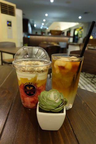 Foto 5 - Makanan(Lyche tea & fruit salad) di Historica oleh Rima K. Wardhani