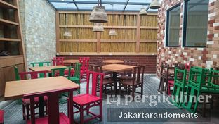 Foto 9 - Interior di Nasi Pedes Cipete oleh Jakartarandomeats