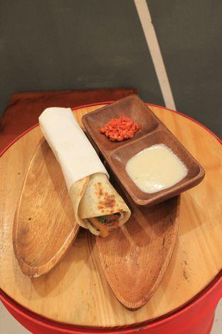 Foto 19 - Makanan di Emado's Shawarma oleh Prido ZH