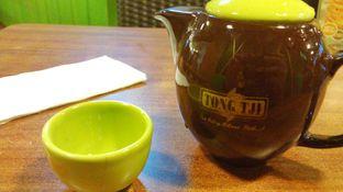 Foto 1 - Makanan(Jasmine Tea) di Tong Tji Tea House oleh Eunice