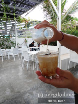 Foto 6 - Makanan(ice kopi ali) di Ali Kopi Roastery oleh ellien @rubrik_jajan