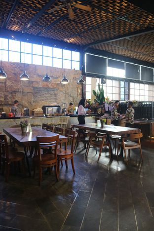 Foto 8 - Interior di ROOFPARK Cafe & Restaurant oleh yeli nurlena