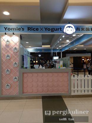 Foto 2 - Interior di Yomie's Rice X Yogurt oleh Selfi Tan