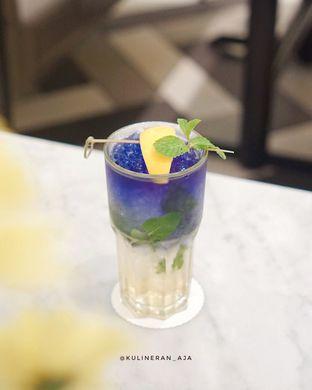 Foto 2 - Makanan(Lavender Lychee) di Bakerzin oleh @kulineran_aja