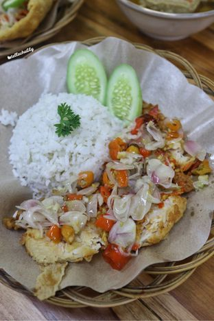 Foto 5 - Makanan(sanitize(image.caption)) di Bakso & Ayam Geprek Sewot oleh Stellachubby