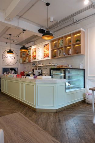 Foto 13 - Interior di Dandy Co Bakery & Cafe oleh inggie @makandll