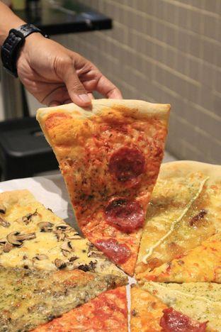 Foto 29 - Makanan di Sliced Pizzeria oleh Prido ZH