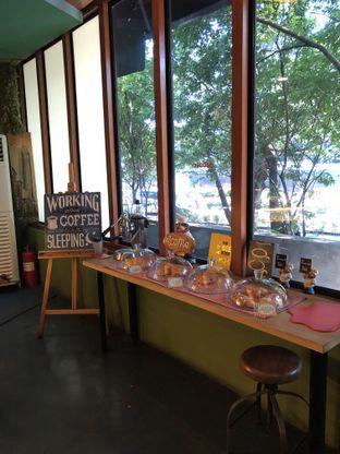 Foto 3 - Interior di Blumchen Coffee oleh @Sibungbung