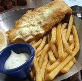 Foto Thee Best Fish & Chips In Town (IDR 96.9k) di Fish & Co.