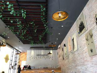 Foto 6 - Interior di Ground Up Delicatessen oleh Diah Irhamna