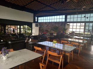 Foto 9 - Interior di ROOFPARK Cafe & Restaurant oleh Namira