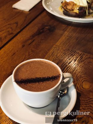 Foto 1 - Makanan(Hot Chocolate) di Two Hands Full oleh Sienna Paramitha