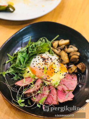 Foto 2 - Makanan(Coffee Butter Steak And Egg) di Maple & Oak oleh Sienna Paramitha