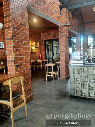 Foto 9 - Interior di Kolonial Bistro & Roastery oleh Fannie Huang||@fannie599