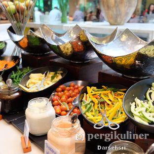 Foto review Satoo Garden Restaurant & Lounge - Hotel Shangri-La oleh Darsehsri Handayani 20
