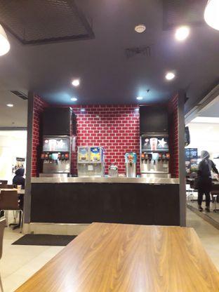 Foto 6 - Interior di Carl's Jr. oleh inri cross