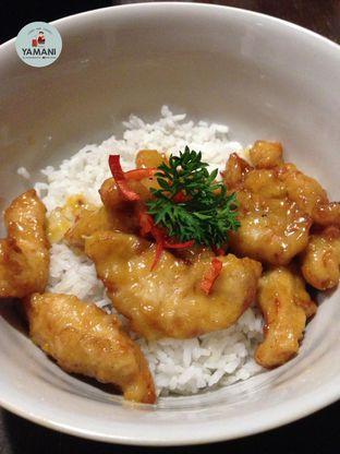 Foto 2 - Makanan(Chicken Salted Egg) di Jumbo Eatery oleh awakmutukangmakan