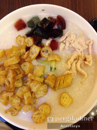 Foto 2 - Makanan(Bubur ayam phitan) di Ta Wan oleh Anastasya Yusuf
