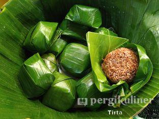 Foto 8 - Makanan di Sunda Prasmanan Cikajang oleh Tirta Lie