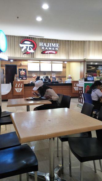 Foto Interior di Hajime Ramen Express