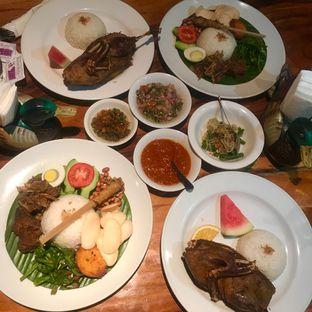 Foto 4 - Makanan di Bebek Bengil oleh Levina JV (IG : levina_eat )
