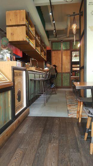 Foto 6 - Interior di NamNam Noodle Bar oleh Naomi Suryabudhi