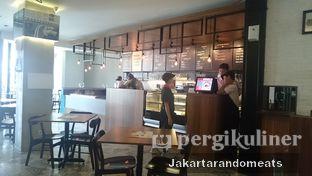 Foto 6 - Interior di Iceberg Pizza & Gelato oleh Jakartarandomeats