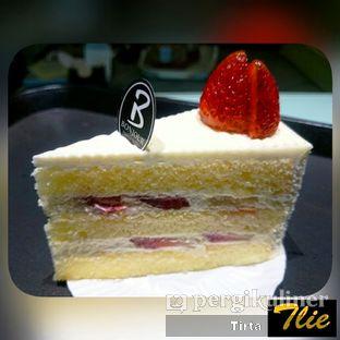Foto 1 - Makanan(Strawberry Short Cake) di Bonjour Pastry oleh Tirta Lie