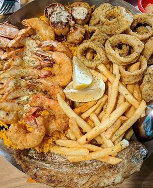Foto 1 - Makanan di Fish & Co. oleh Mitha Komala