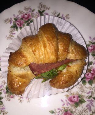 Foto - Makanan di Holland Bakery oleh Andrika Nadia