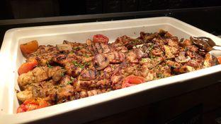 Foto 11 - Makanan(roasted chicken) di Sailendra - Hotel JW Marriott oleh maysfood journal.blogspot.com Maygreen