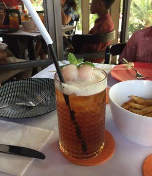 Foto 3 - Makanan(Ice Lychee Tea) di Abraco Bistro & Bar oleh Elli  Soetomo